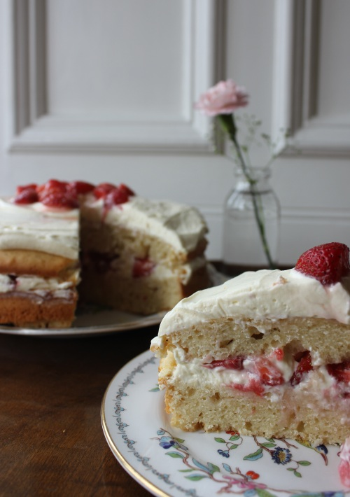 Strawberry and black pepper cake